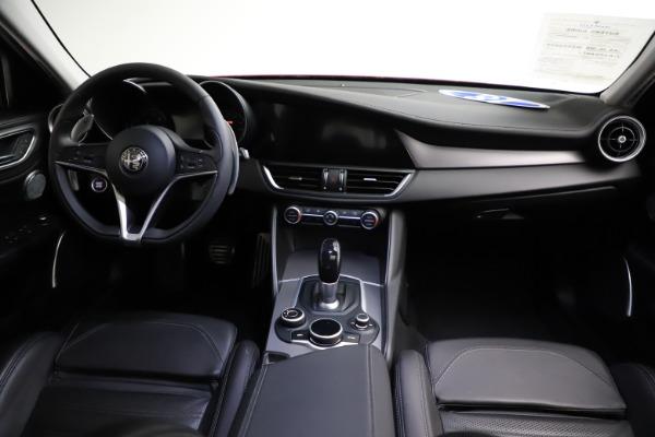 Used 2018 Alfa Romeo Giulia Ti Sport Q4 for sale $31,900 at Bentley Greenwich in Greenwich CT 06830 16