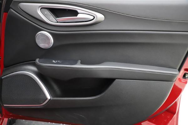 New 2018 Alfa Romeo Giulia Ti Sport Q4 for sale Sold at Bentley Greenwich in Greenwich CT 06830 25