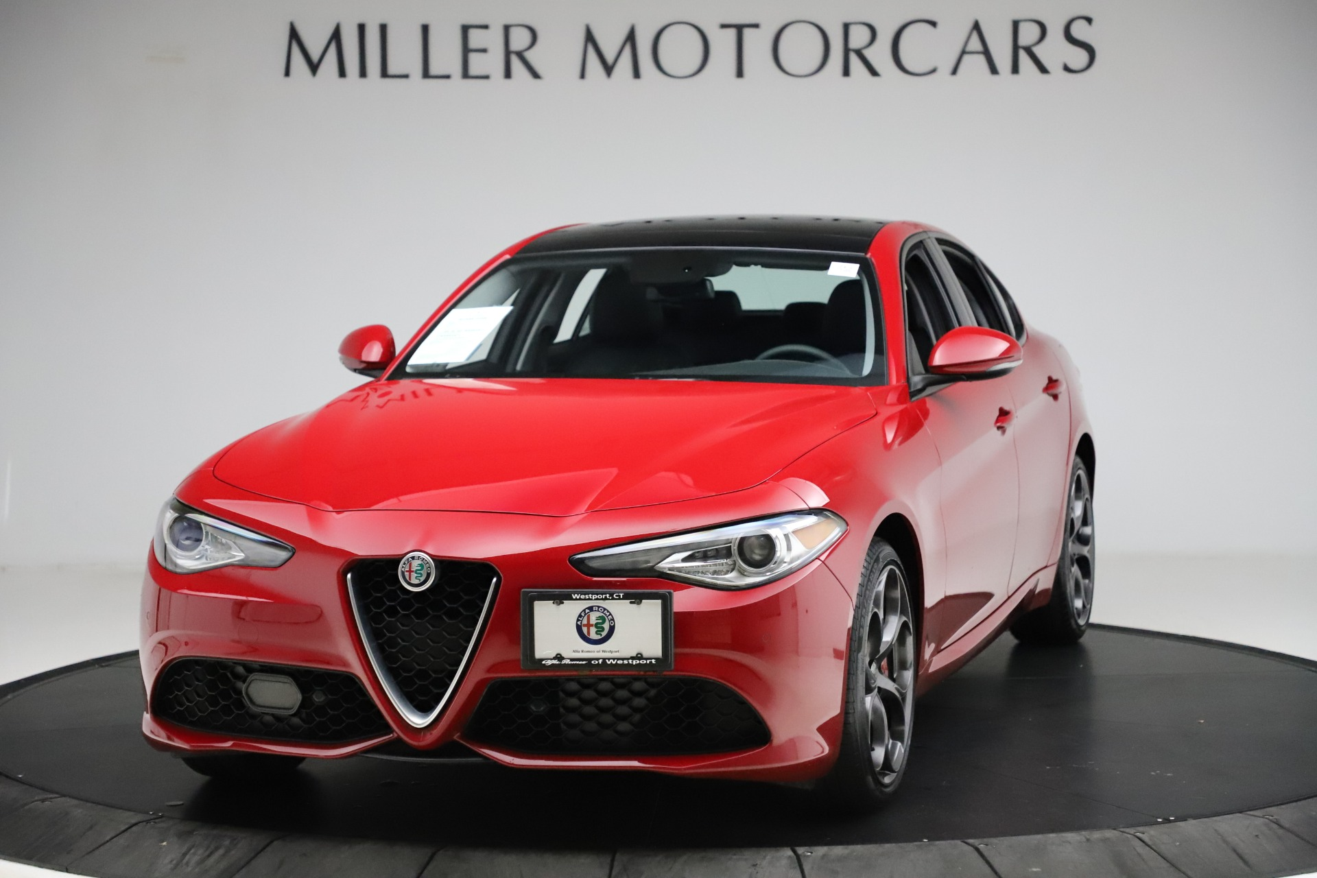Used 2018 Alfa Romeo Giulia Ti Sport Q4 for sale Sold at Bentley Greenwich in Greenwich CT 06830 1