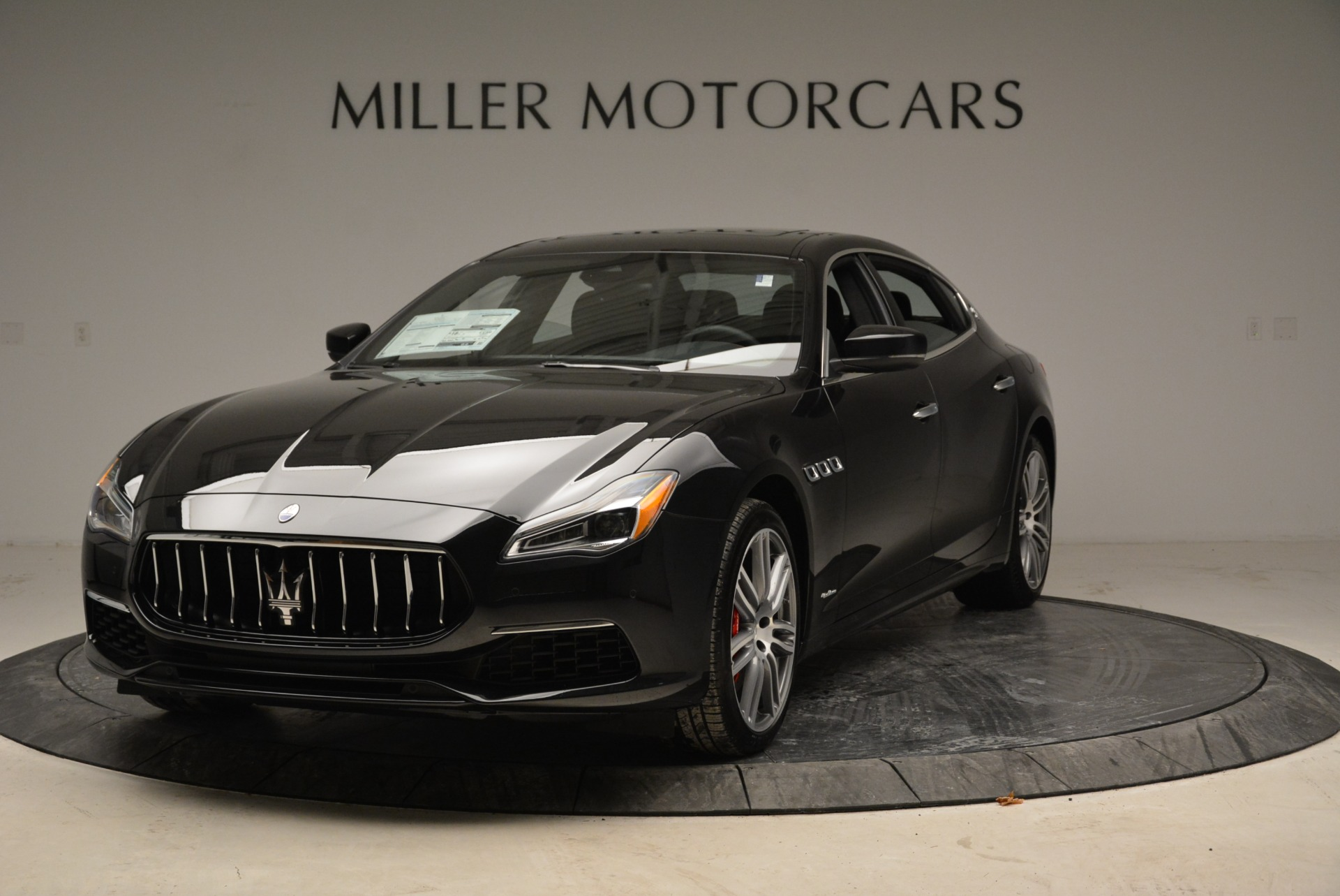 Used 2018 Maserati Quattroporte S Q4 GranLusso for sale Sold at Bentley Greenwich in Greenwich CT 06830 1