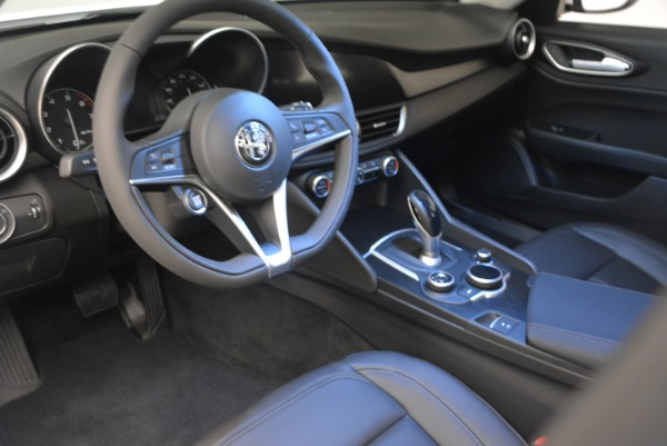 New 2018 Alfa Romeo Giulia Q4 for sale Sold at Bentley Greenwich in Greenwich CT 06830 15