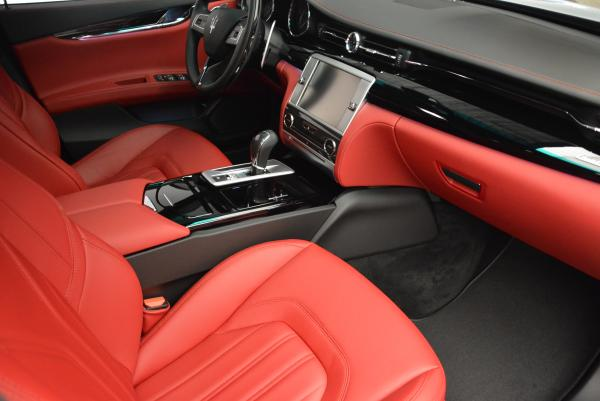 New 2016 Maserati Quattroporte S Q4  *******      DEALER'S  DEMO for sale Sold at Bentley Greenwich in Greenwich CT 06830 22
