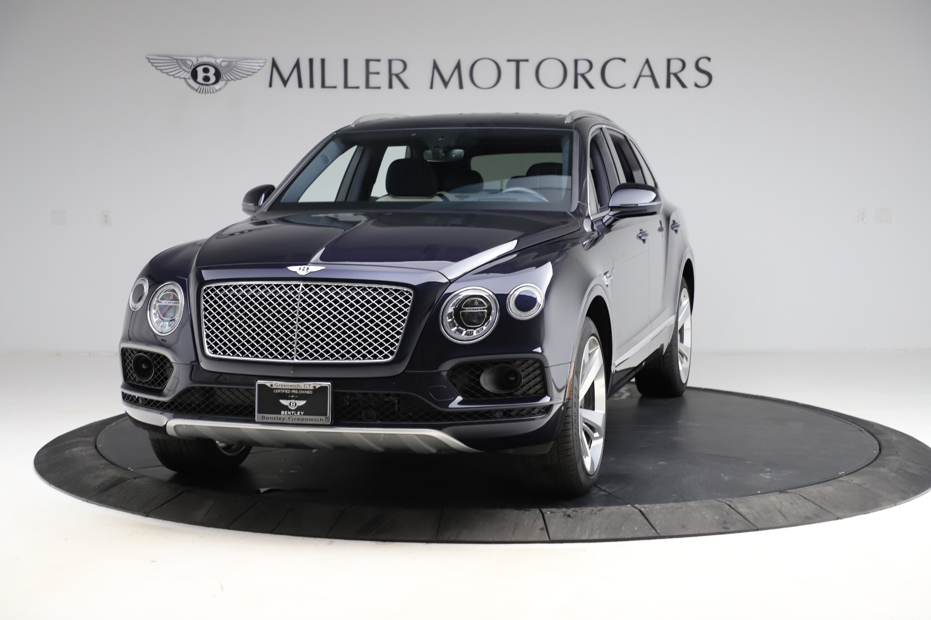 Used 2018 Bentley Bentayga W12 Signature for sale $154,900 at Bentley Greenwich in Greenwich CT 06830 1