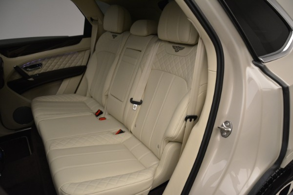 New 2018 Bentley Bentayga Signature for sale Sold at Bentley Greenwich in Greenwich CT 06830 22