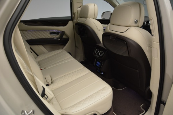 New 2018 Bentley Bentayga Signature for sale Sold at Bentley Greenwich in Greenwich CT 06830 24