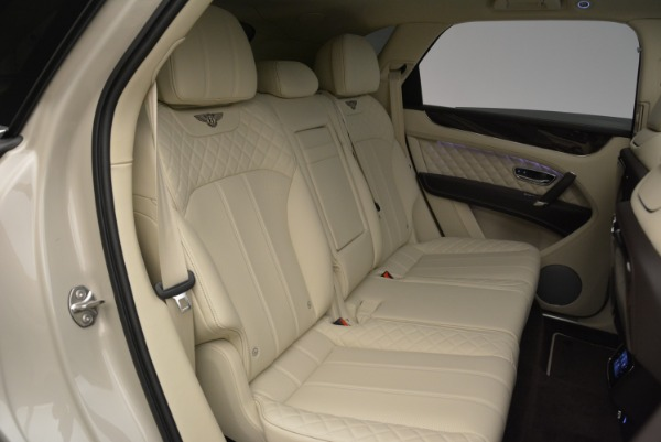 New 2018 Bentley Bentayga Signature for sale Sold at Bentley Greenwich in Greenwich CT 06830 25