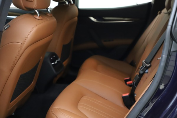 Used 2018 Maserati Ghibli S Q4 for sale $53,900 at Bentley Greenwich in Greenwich CT 06830 19