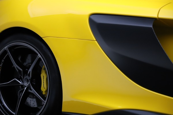Used 2016 McLaren 675LT for sale $225,900 at Bentley Greenwich in Greenwich CT 06830 27