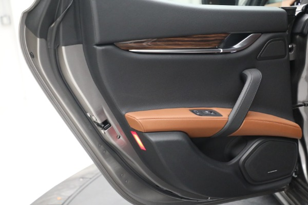 Used 2018 Maserati Ghibli S Q4 for sale $54,900 at Bentley Greenwich in Greenwich CT 06830 24