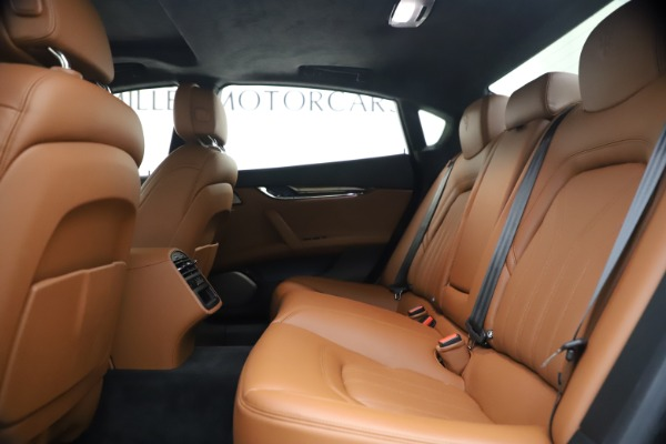Used 2018 Maserati Quattroporte S Q4 GranLusso for sale $65,900 at Bentley Greenwich in Greenwich CT 06830 19