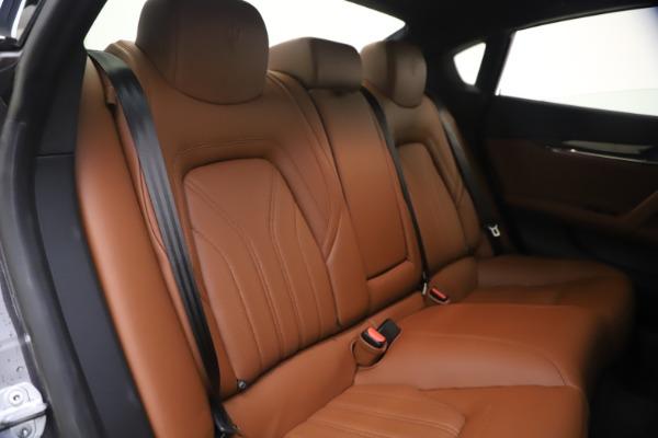 Used 2018 Maserati Quattroporte S Q4 GranLusso for sale $65,900 at Bentley Greenwich in Greenwich CT 06830 24