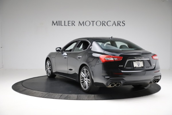 Used 2018 Maserati Ghibli S Q4 Gransport for sale $55,900 at Bentley Greenwich in Greenwich CT 06830 5