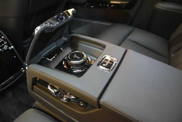Used 2018 Rolls-Royce Phantom for sale Sold at Bentley Greenwich in Greenwich CT 06830 20