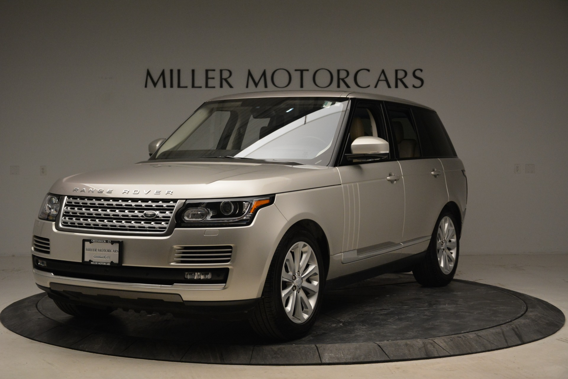 Used 2016 Land Rover Range Rover HSE for sale Sold at Bentley Greenwich in Greenwich CT 06830 1