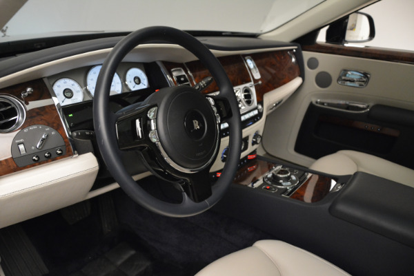 Used 2015 Rolls-Royce Ghost for sale Call for price at Bentley Greenwich in Greenwich CT 06830 21
