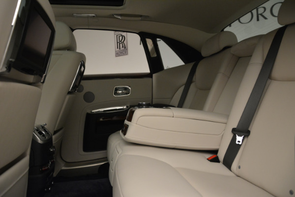Used 2015 Rolls-Royce Ghost for sale Call for price at Bentley Greenwich in Greenwich CT 06830 26