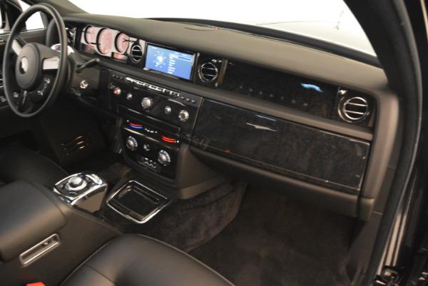 Used 2014 Rolls-Royce Phantom EWB for sale Sold at Bentley Greenwich in Greenwich CT 06830 25