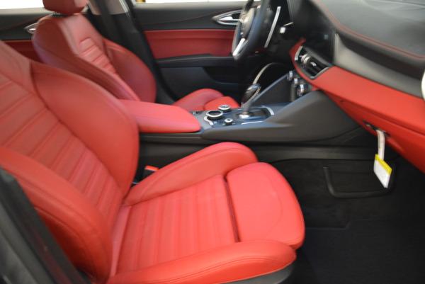 New 2018 Alfa Romeo Giulia Ti Sport Q4 for sale Sold at Bentley Greenwich in Greenwich CT 06830 20