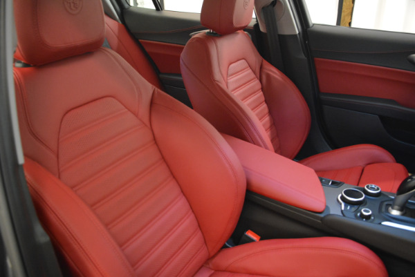 New 2018 Alfa Romeo Giulia Ti Sport Q4 for sale Sold at Bentley Greenwich in Greenwich CT 06830 21