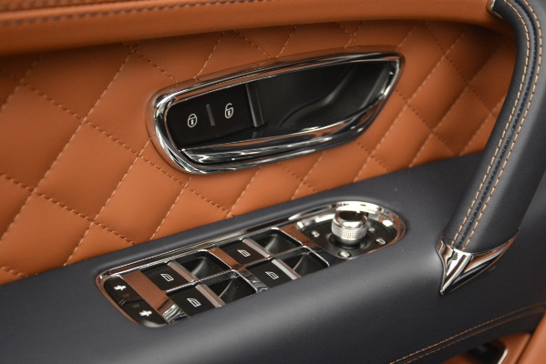 Used 2018 Bentley Bentayga Signature for sale Sold at Bentley Greenwich in Greenwich CT 06830 19