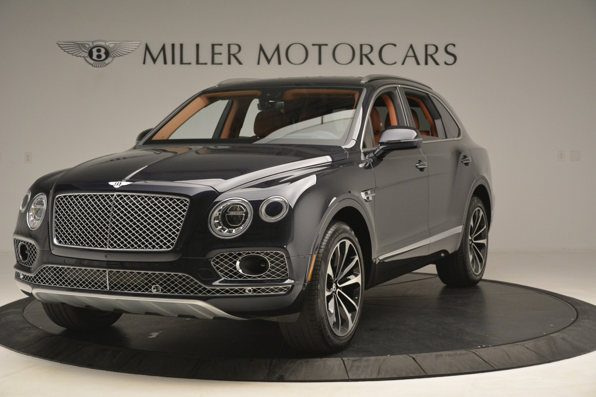 Used 2018 Bentley Bentayga Signature for sale Sold at Bentley Greenwich in Greenwich CT 06830 1