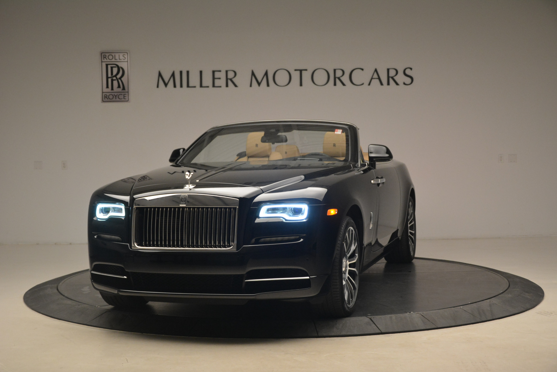 Used 2018 Rolls-Royce Dawn for sale Sold at Bentley Greenwich in Greenwich CT 06830 1