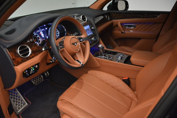 Used 2018 Bentley Bentayga W12 Signature for sale Sold at Bentley Greenwich in Greenwich CT 06830 17