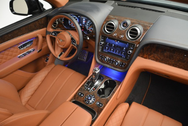 Used 2018 Bentley Bentayga W12 Signature for sale Sold at Bentley Greenwich in Greenwich CT 06830 27
