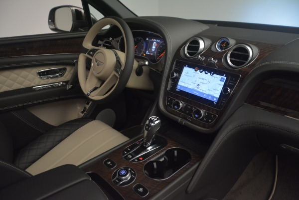 Used 2018 Bentley Bentayga Activity Edition for sale $154,900 at Bentley Greenwich in Greenwich CT 06830 25