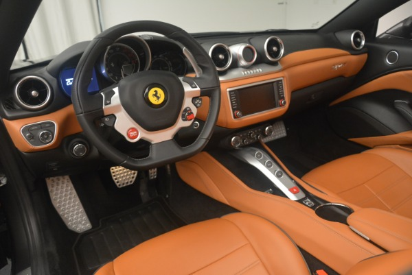 Used 2015 Ferrari California T for sale Sold at Bentley Greenwich in Greenwich CT 06830 25