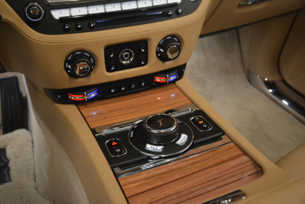 Used 2015 Rolls-Royce Ghost for sale Sold at Bentley Greenwich in Greenwich CT 06830 22