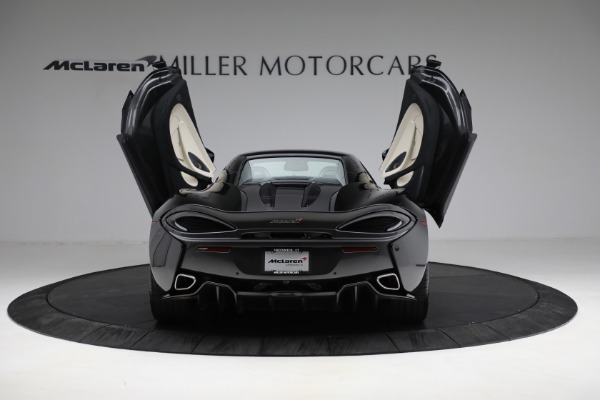 New 2018 McLaren 570S Spider for sale Sold at Bentley Greenwich in Greenwich CT 06830 25