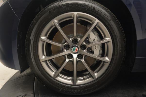 New 2018 Alfa Romeo Giulia Q4 for sale Sold at Bentley Greenwich in Greenwich CT 06830 25