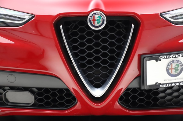 Used 2018 Alfa Romeo Stelvio Sport Q4 for sale Sold at Bentley Greenwich in Greenwich CT 06830 13