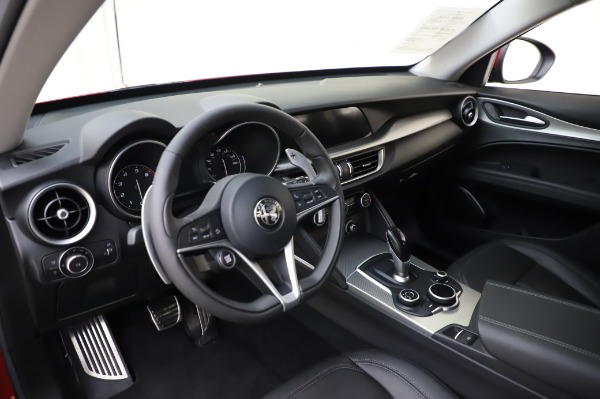 Used 2018 Alfa Romeo Stelvio Sport Q4 for sale Sold at Bentley Greenwich in Greenwich CT 06830 17