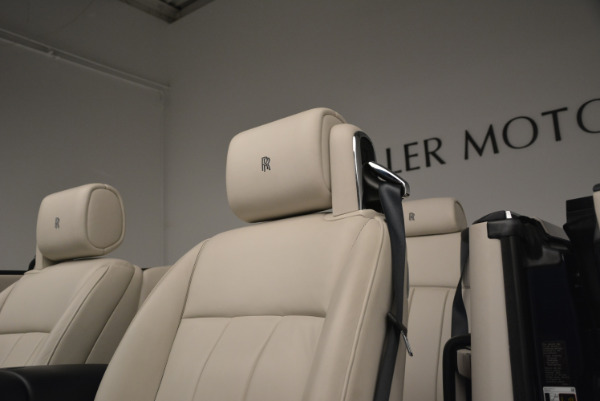 Used 2014 Rolls-Royce Phantom Drophead Coupe for sale Sold at Bentley Greenwich in Greenwich CT 06830 20
