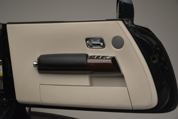 Used 2014 Rolls-Royce Phantom Drophead Coupe for sale Sold at Bentley Greenwich in Greenwich CT 06830 21
