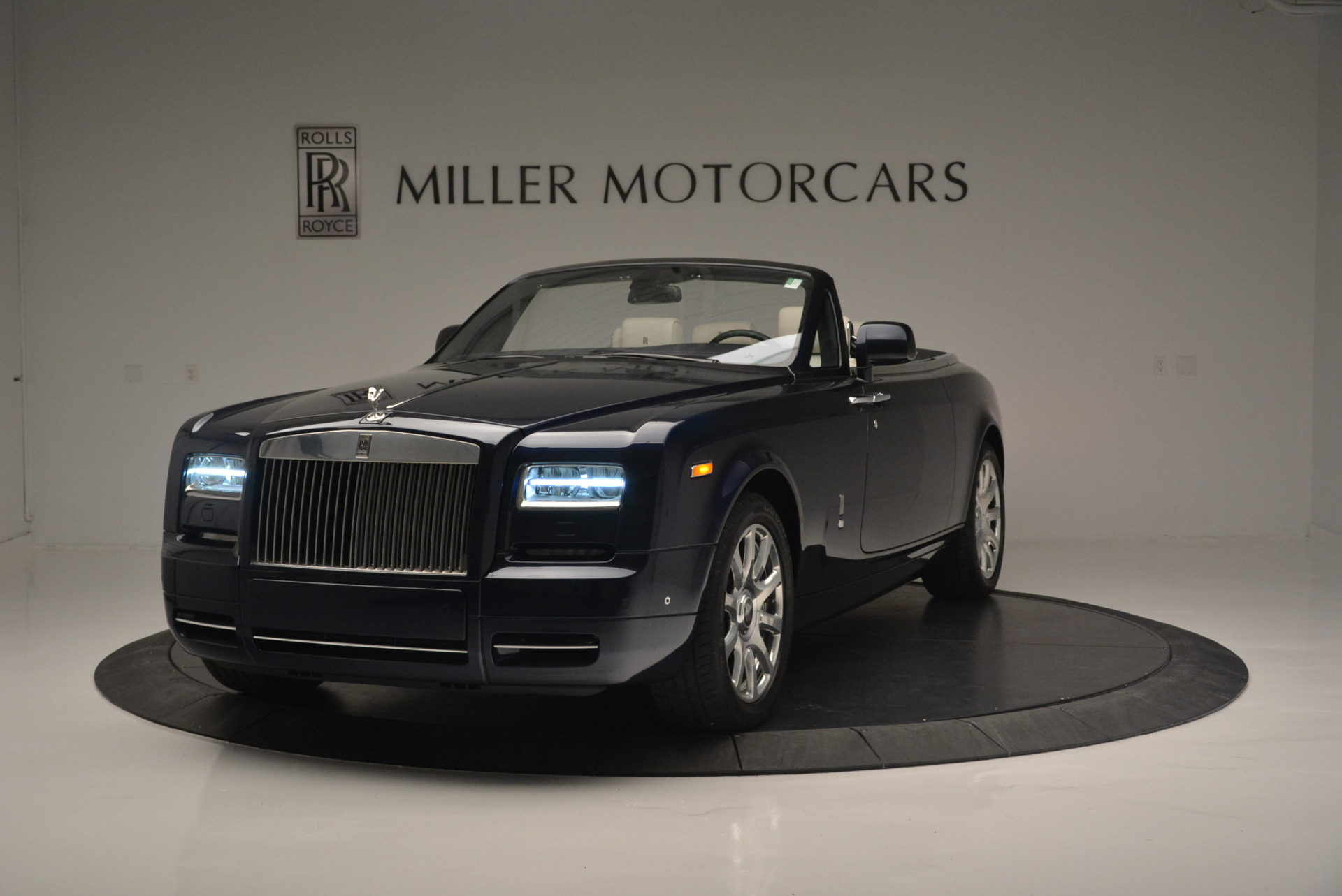 Used 2014 Rolls-Royce Phantom Drophead Coupe for sale Sold at Bentley Greenwich in Greenwich CT 06830 1