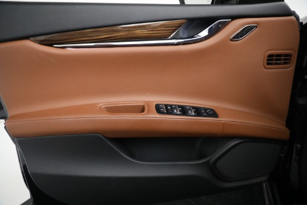 New 2018 Maserati Quattroporte S Q4 for sale Sold at Bentley Greenwich in Greenwich CT 06830 25