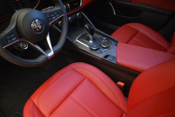 New 2018 Alfa Romeo Giulia Q4 for sale Sold at Bentley Greenwich in Greenwich CT 06830 20