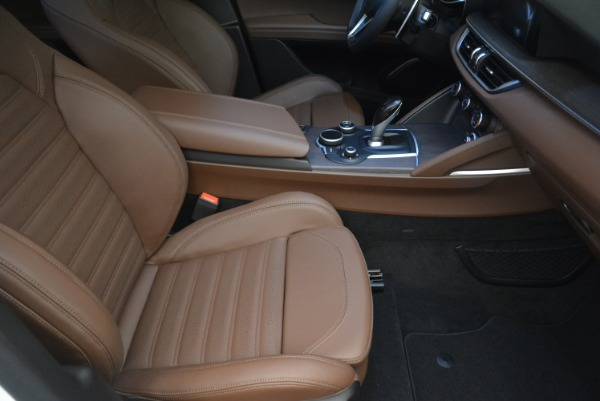 Used 2018 Alfa Romeo Stelvio Ti Sport Q4 for sale $32,900 at Bentley Greenwich in Greenwich CT 06830 21