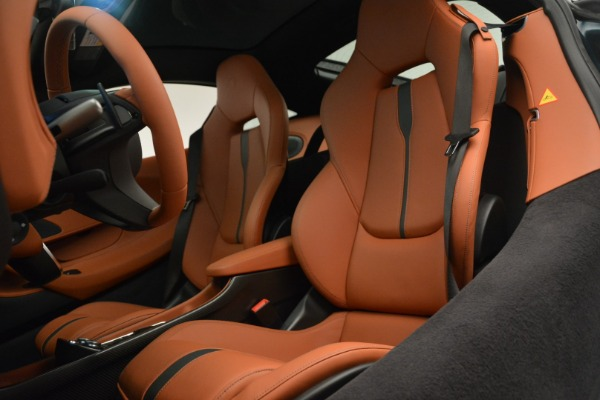 New 2018 McLaren 570GT Coupe for sale Sold at Bentley Greenwich in Greenwich CT 06830 18
