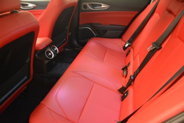 New 2018 Alfa Romeo Giulia Sport Q4 for sale Sold at Bentley Greenwich in Greenwich CT 06830 17