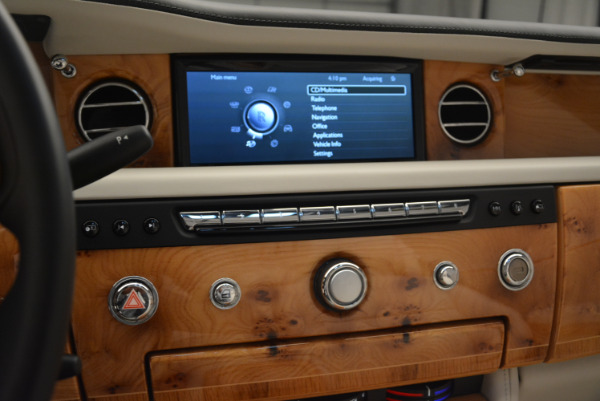 Used 2013 Rolls-Royce Phantom Drophead Coupe for sale Sold at Bentley Greenwich in Greenwich CT 06830 22