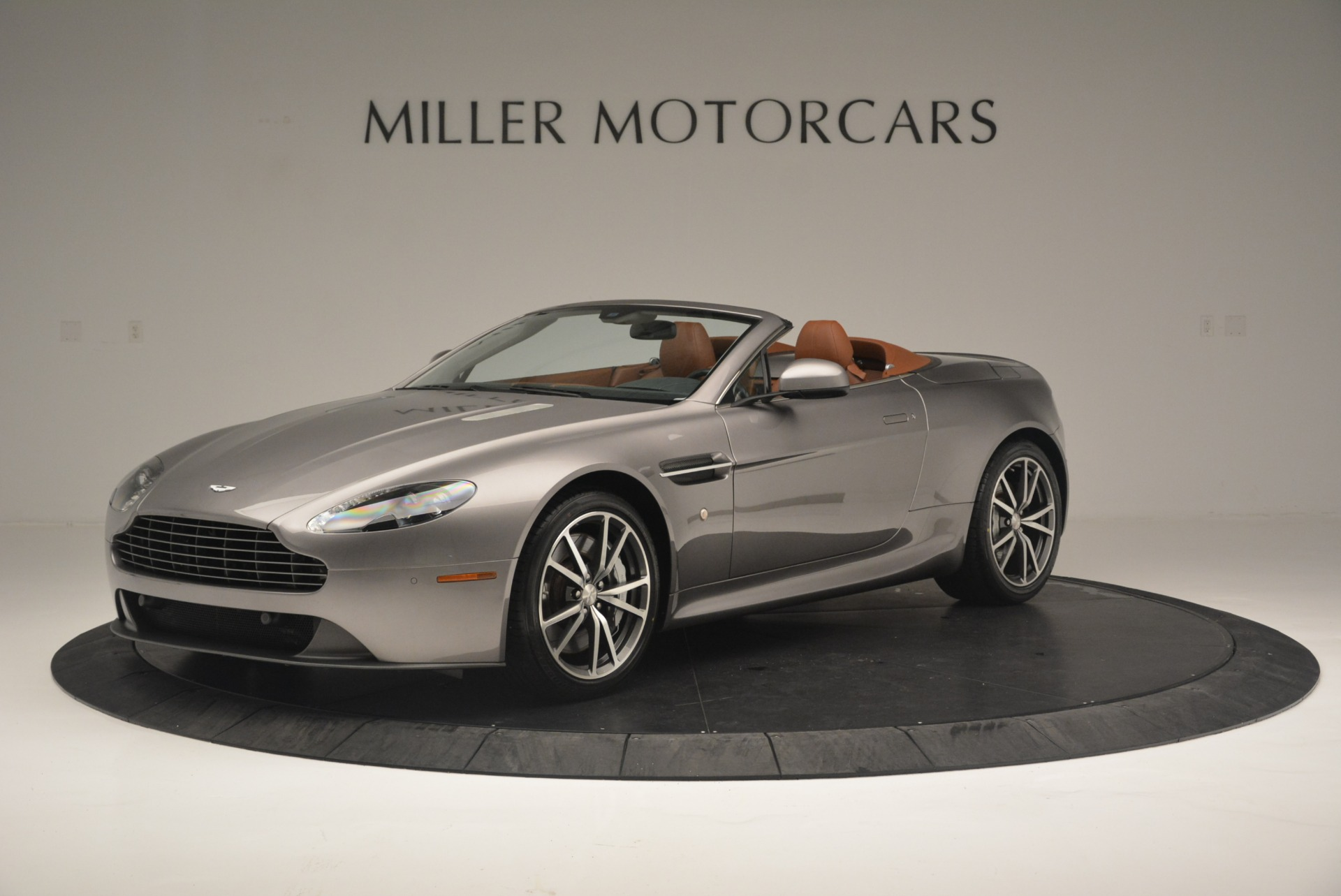 Used 2015 Aston Martin V8 Vantage Roadster for sale Sold at Bentley Greenwich in Greenwich CT 06830 1