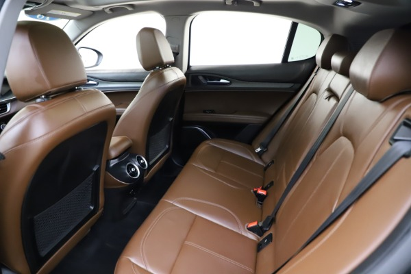 Used 2018 Alfa Romeo Stelvio Ti Q4 for sale $32,900 at Bentley Greenwich in Greenwich CT 06830 19