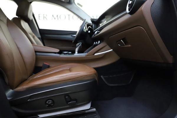 Used 2018 Alfa Romeo Stelvio Ti Q4 for sale $32,900 at Bentley Greenwich in Greenwich CT 06830 23