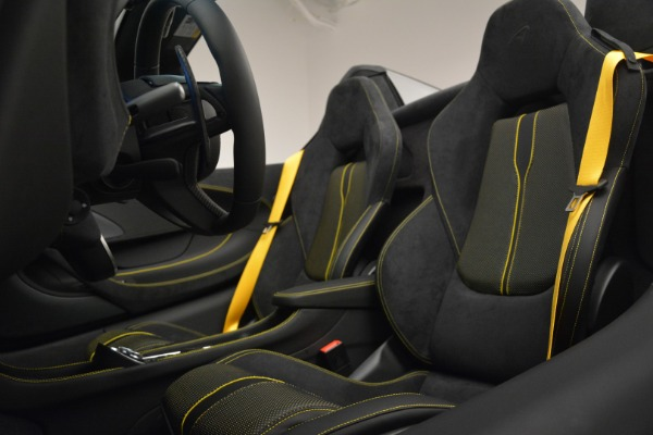 Used 2019 McLaren 570S Spider Convertible for sale $189,990 at Bentley Greenwich in Greenwich CT 06830 25