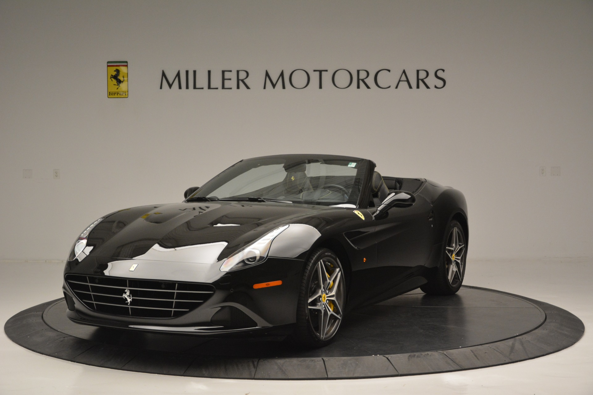 Used 2017 Ferrari California T Handling Speciale for sale Sold at Bentley Greenwich in Greenwich CT 06830 1