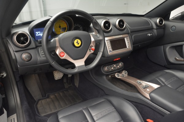 Used 2013 Ferrari California 30 for sale $113,900 at Bentley Greenwich in Greenwich CT 06830 25